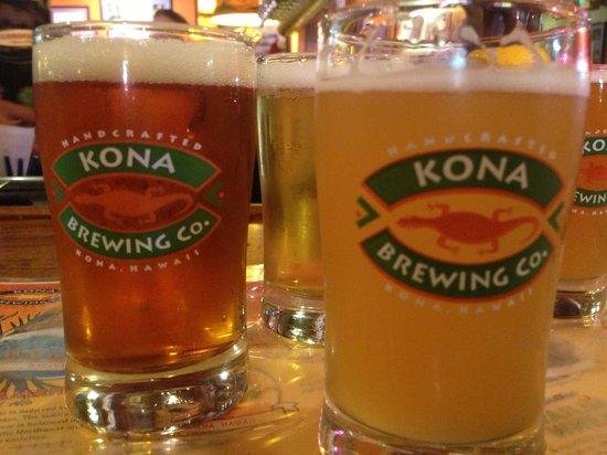 Kona Brewing Company Pub & Brewery : Beer flight