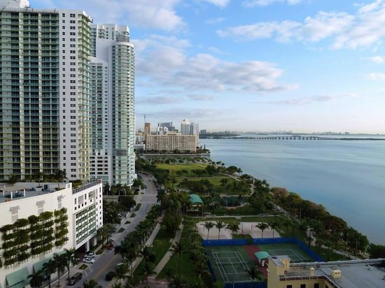 Doubletree by Hilton Grand Hotel Biscayne Bay: vista