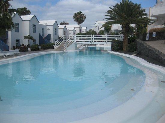 Apartamentos THe Morromar: quiet pool