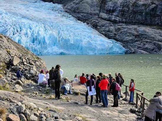 Turismo 21 de mayo: Excursion con AGUNSA, en el Glaciar Serrano.
