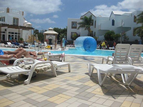 Apartamentos THe Morromar: Pool at the top