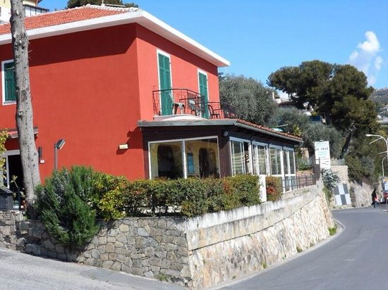 Baia dei Gabbiani: Ingresso camping e affittacamere