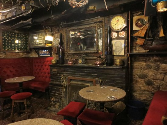 Hole in the Wall: Delightful 'quirky' interior
