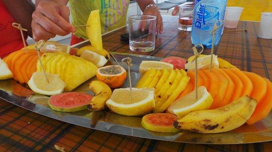 Cool Caraïbes : plateau de fruits frais