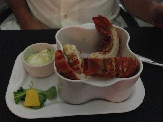 Le Pavillon by the Sea : lobster appetizer - yum!