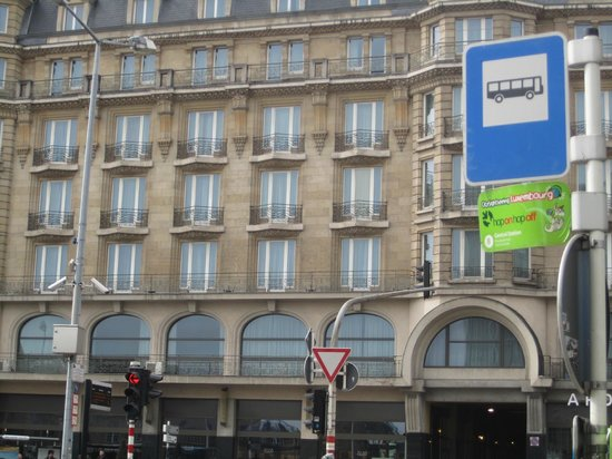 """NH Luxembourg : Остановка к отелю.Здесь же и на """"Sightseeng""""."""