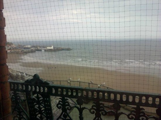 Britannia Grand Hotel Scarborough: view from window - netting is to stop seagulls perching
