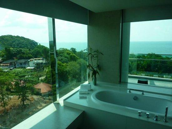 Rayong Marriott Resort & Spa: Blick vom Bad zum Balkon