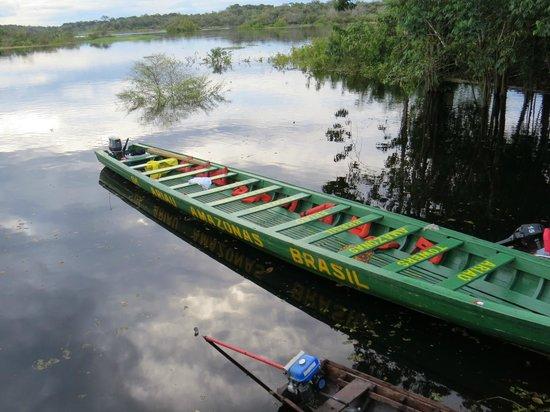 Ariau Amazon Towers Hotel: canoas usadas pelo hotel