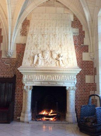 Chateau d'Amboise: Fireplace inside the Chateau