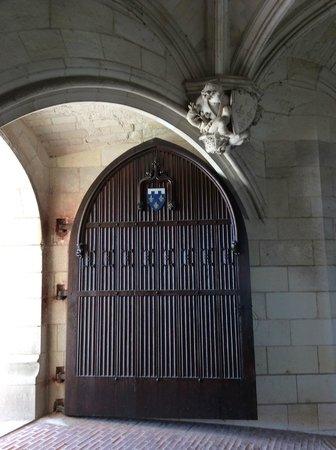 Chateau d'Amboise: Door inside the castle