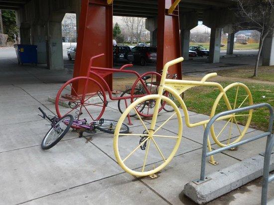 Caras Park: Bike racks...shaped like...bikes