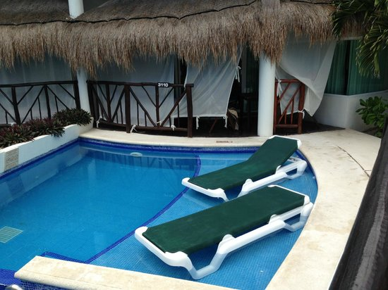 El Dorado Casitas Royale, by Karisma: Your own pool right out the door from your room