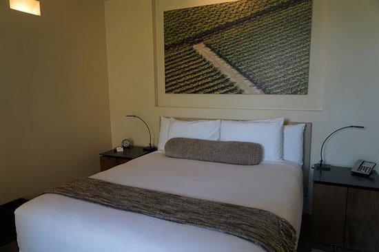Bardessono: Bed