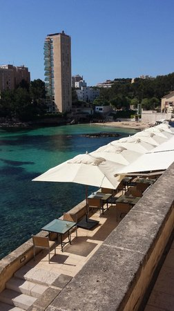Hospes Maricel Mallorca & Spa: Restaurant overlooking the water