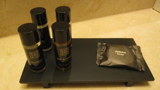 Hotel Astoria 7: Complementos de aseo de la marca Rituals