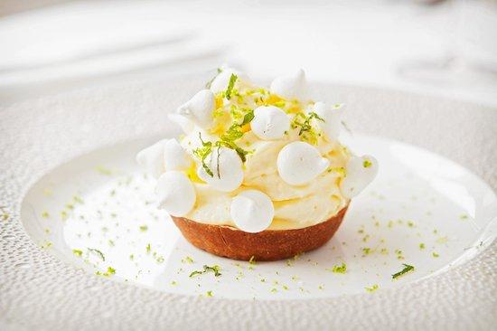 Maison Bleue Restaurant: Lemon tartlet