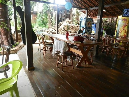 Holandes Hostel: dining area