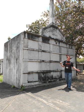 Free Tours by Foot: Lafayette Cemetery, New Orleans