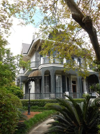 Free Tours by Foot: Garden District, New Orleans