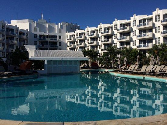 Sofitel Noosa Pacific Resort : Morning pool