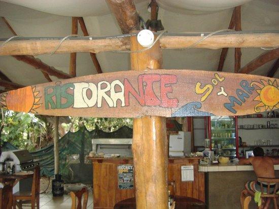 Nosara Playa Garza Hotel : Going into the bar