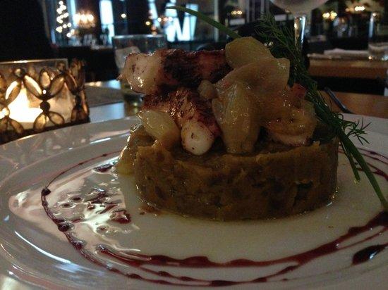 Darwin's Cafe: tentáculos de polvo com purê de batata doce