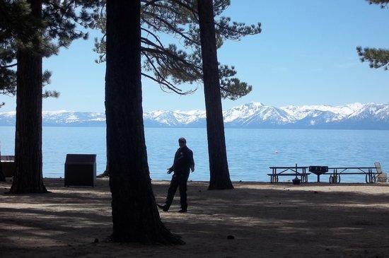Lake Tahoe Nevada State Park: Lake Tahoe In April