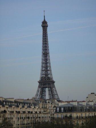 Hotel Splendid Tour Eiffel: Morning view