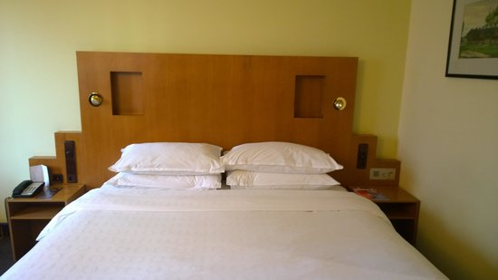 Sheraton Palace Hotel Moscow : Bed