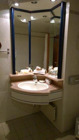Sheraton Palace Hotel Moscow : Bathroom