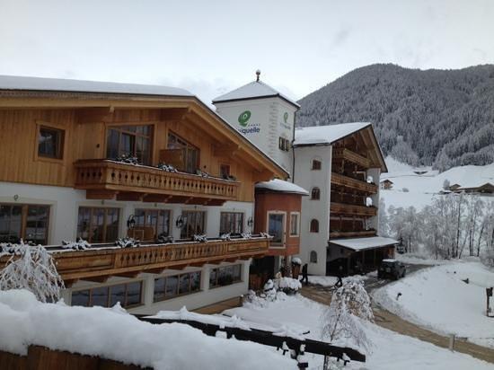 Hotel Quelle Nature Spa Resort: il Quelle immerso nel paesaggio invernale