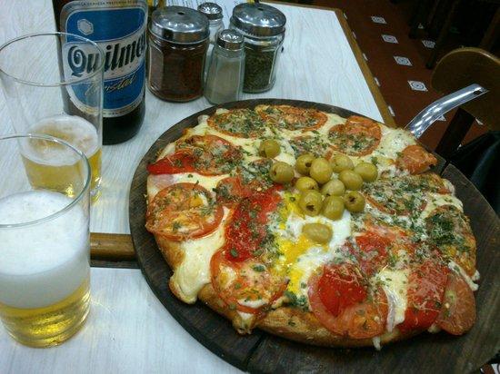 El Cuartito : A pizza!