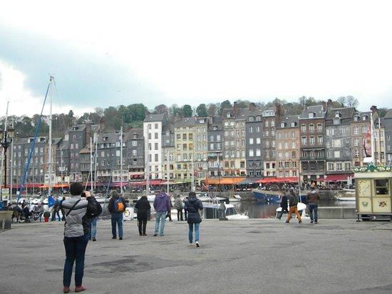 Le Vieux Bassin : il porto