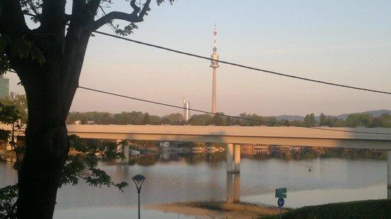 Strandhotel Alte Donau: vista dalla nostra finestra