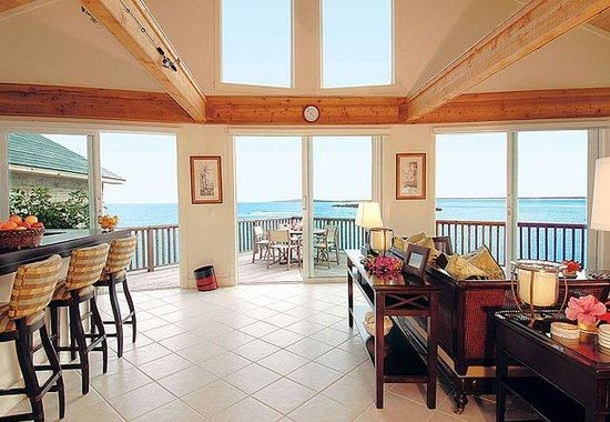 Abaco Club on Winding Bay: Cottage Living Area