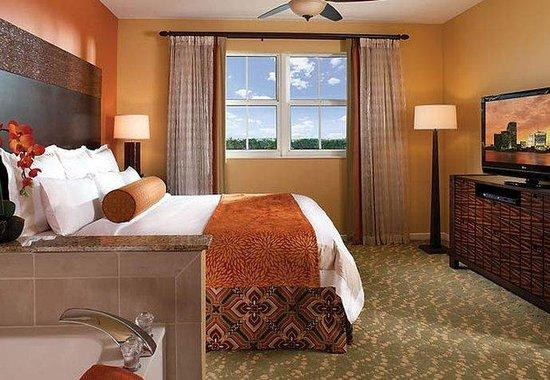 Marriott's Villas at Doral: Villa Master Bedroom