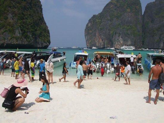 Phi Phi Villa Resort : Getting ready to leave Maya Beach