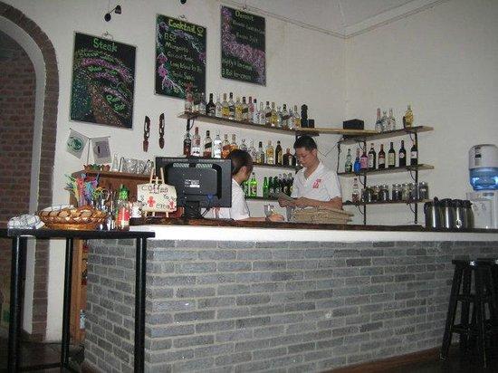 Traffic Inn: Bar