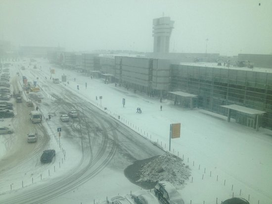 Angelo by Vienna House Ekaterinburg : View from room of airport