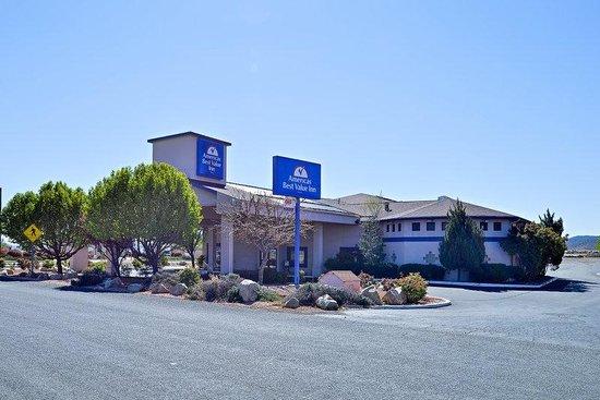 Americas Best Value Inn : Exterior