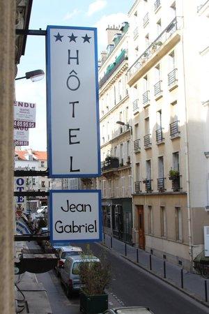 Hotel Jean-Gabriel: Street view