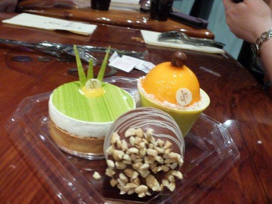Jean Philippe Patisserie - Aria Resort : Cakes look and taste amazing