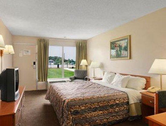 Days Inn Elizabethtown: Standard King Bed Room