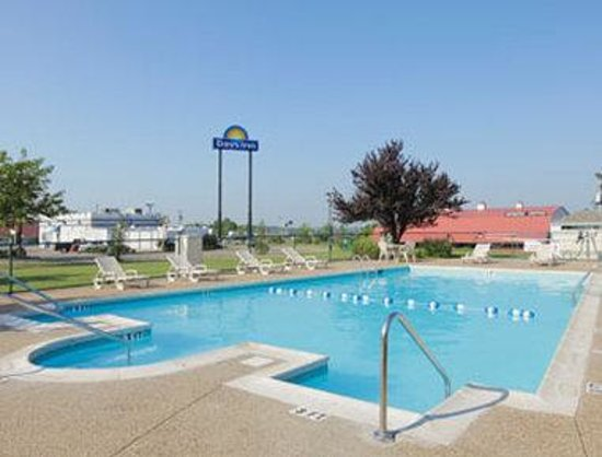 Days Inn Elizabethtown: Pool