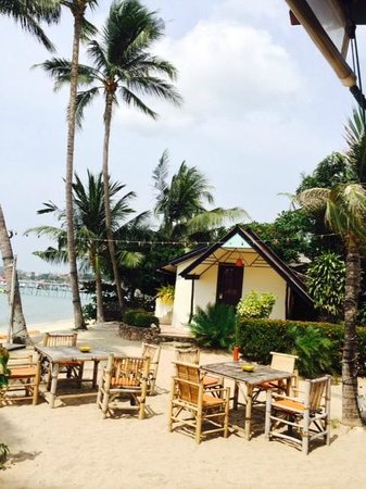 Secret Garden Beach Resort: Beachfront Bungalow