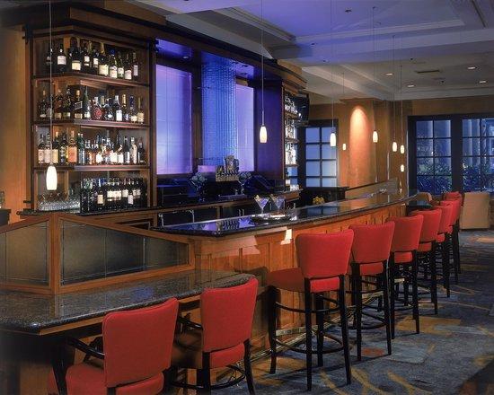 Hyatt Regency La Jolla: Michael's Lounge Bar Seating
