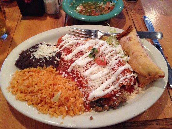 Viva Mexico Restaurant: Chimichanga, enchilada & burrito!
