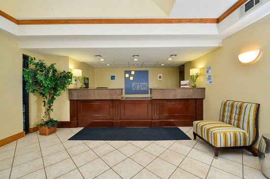 Holiday Inn Express Great Barrington: Hotel Lobby