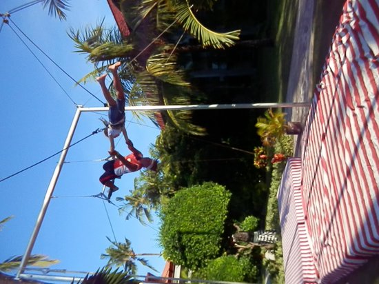 High Flyers Bali Trapeze School: flying high